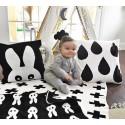 Gebreid babydekentje met kruisprint